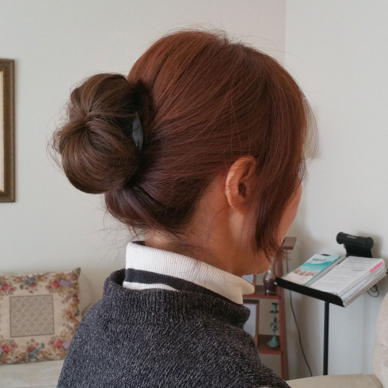 Hair Bun Clip Pin in Extension Girl