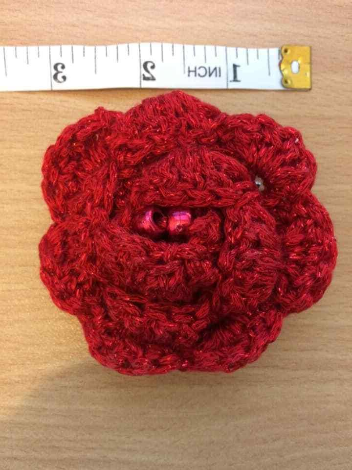 Red flower Hat pin, Liverpool Man Hull