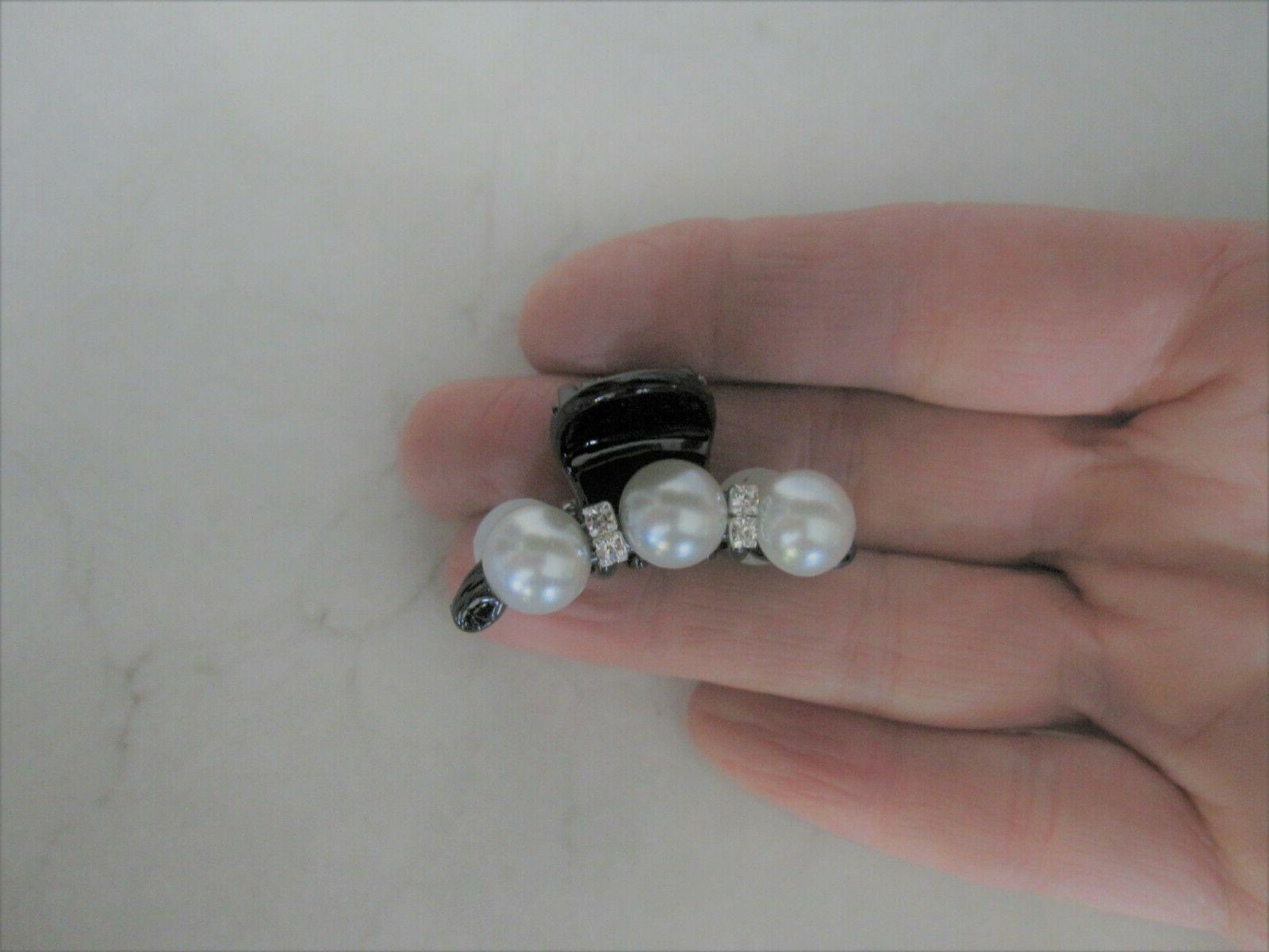 Small mini claw clip fine, thin hair with pearls and crystals