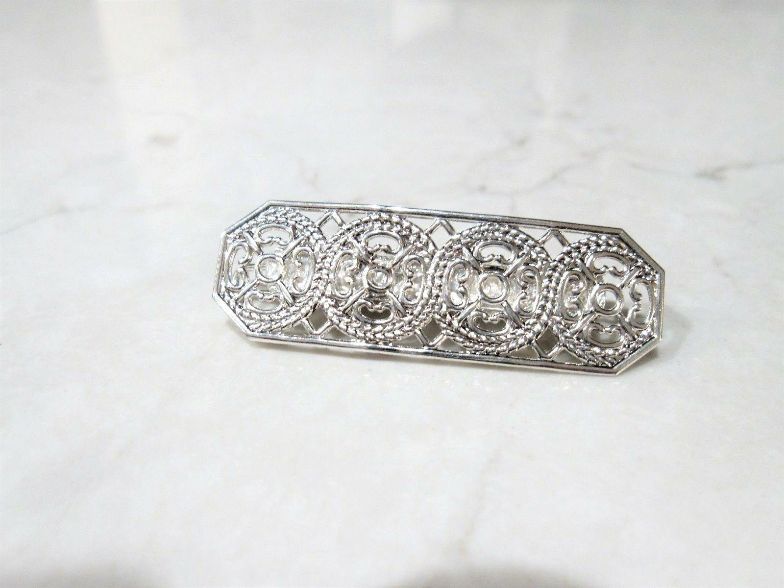 small silver or gold hair pin clip