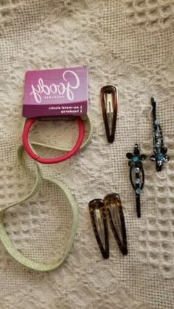 Lot of GOODY ouchless head wrap, 3 decorated hair clips, 2 d